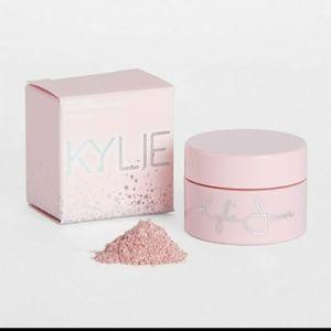 QUEEN Kylie highlighter